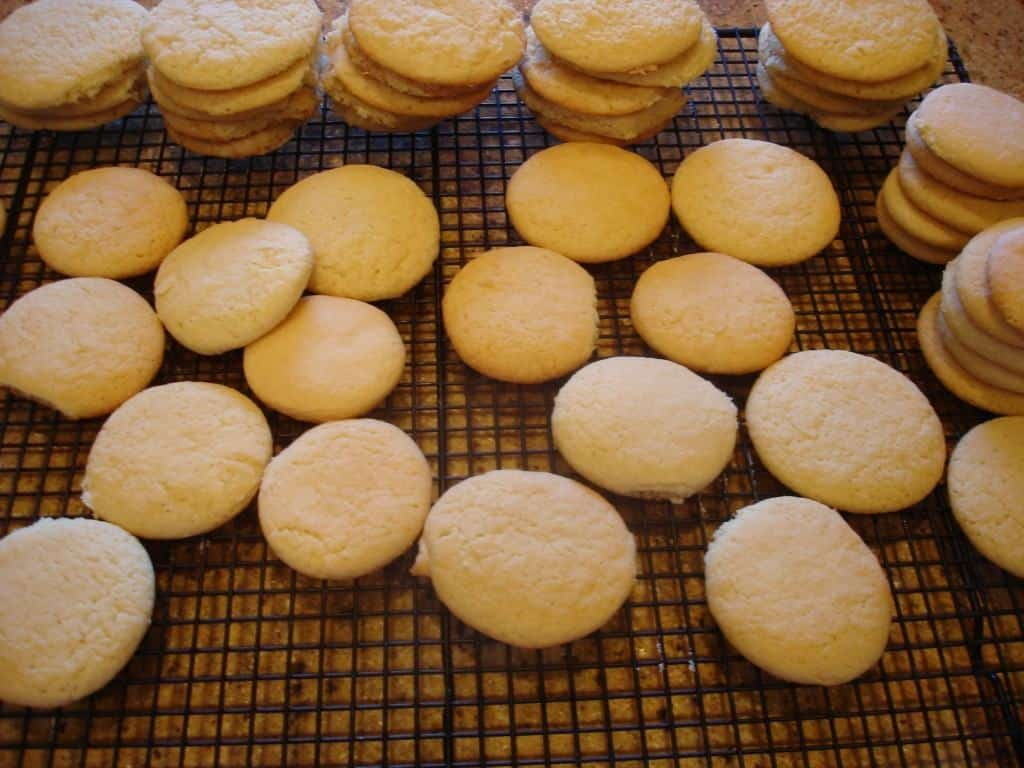 Old Fashioned Syrup Tea Cakes