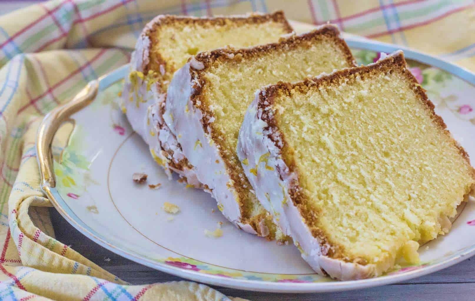 Cake Recipes With Glaze Icing: Lemon Pound Cake With Lemon Glaze