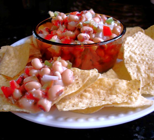 Mississippi Caviar. Blackeye peas and vegetables mix with a vinaigrette to create a crowd-pleasing salsa. #mississippi #caviar #blackeye #pea #southernfood