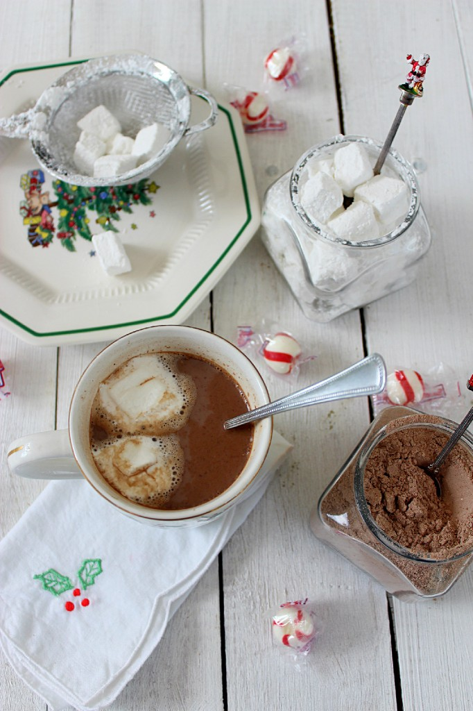 Homemade Vanilla Marshmallows Whip up a batch and enjoy the magic in your kitchen.!