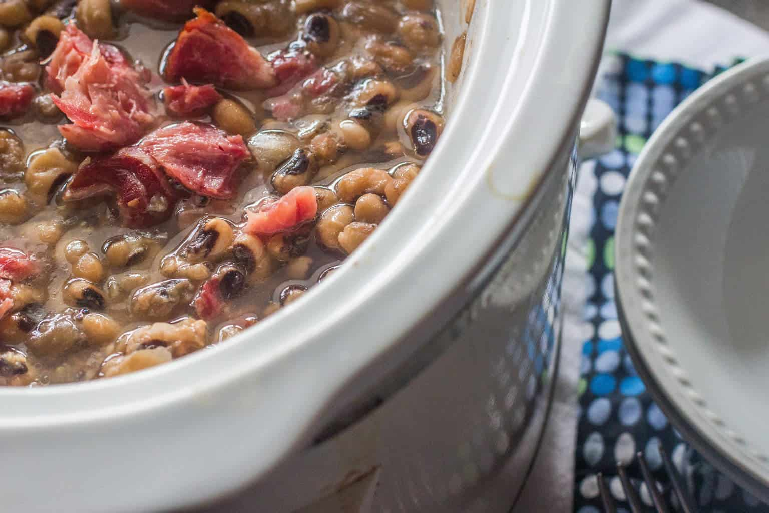 Slow-Cooker Southern-Style Blackeye Peas