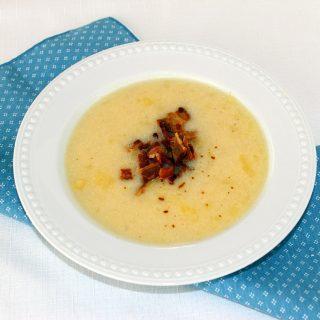 A Good Neighbor(Recipe: Country Potato Bacon Soup)