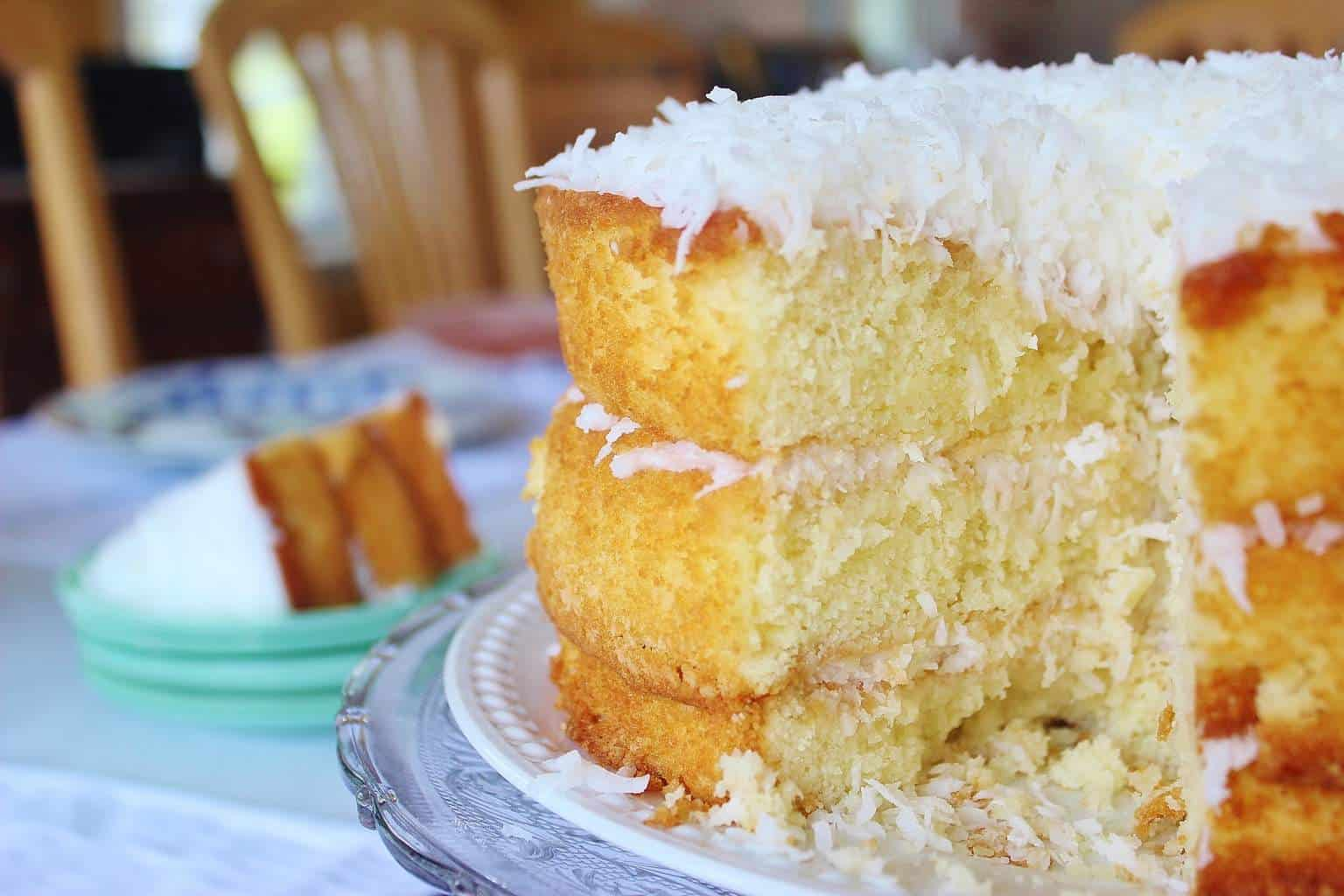 Cake With Sour Cream Frosting