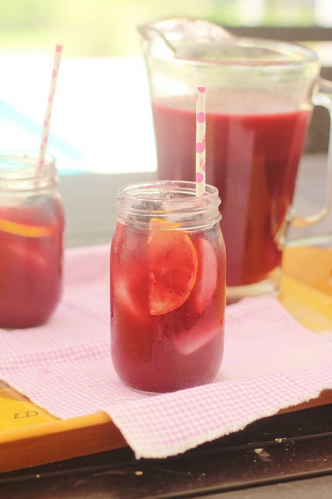 Triple Berry Sweet Ice Tea. A puree of sweetened berries is added to Southern Sweet Tea to make a refreshing summer sipper. #southern #sweet #tea #berry