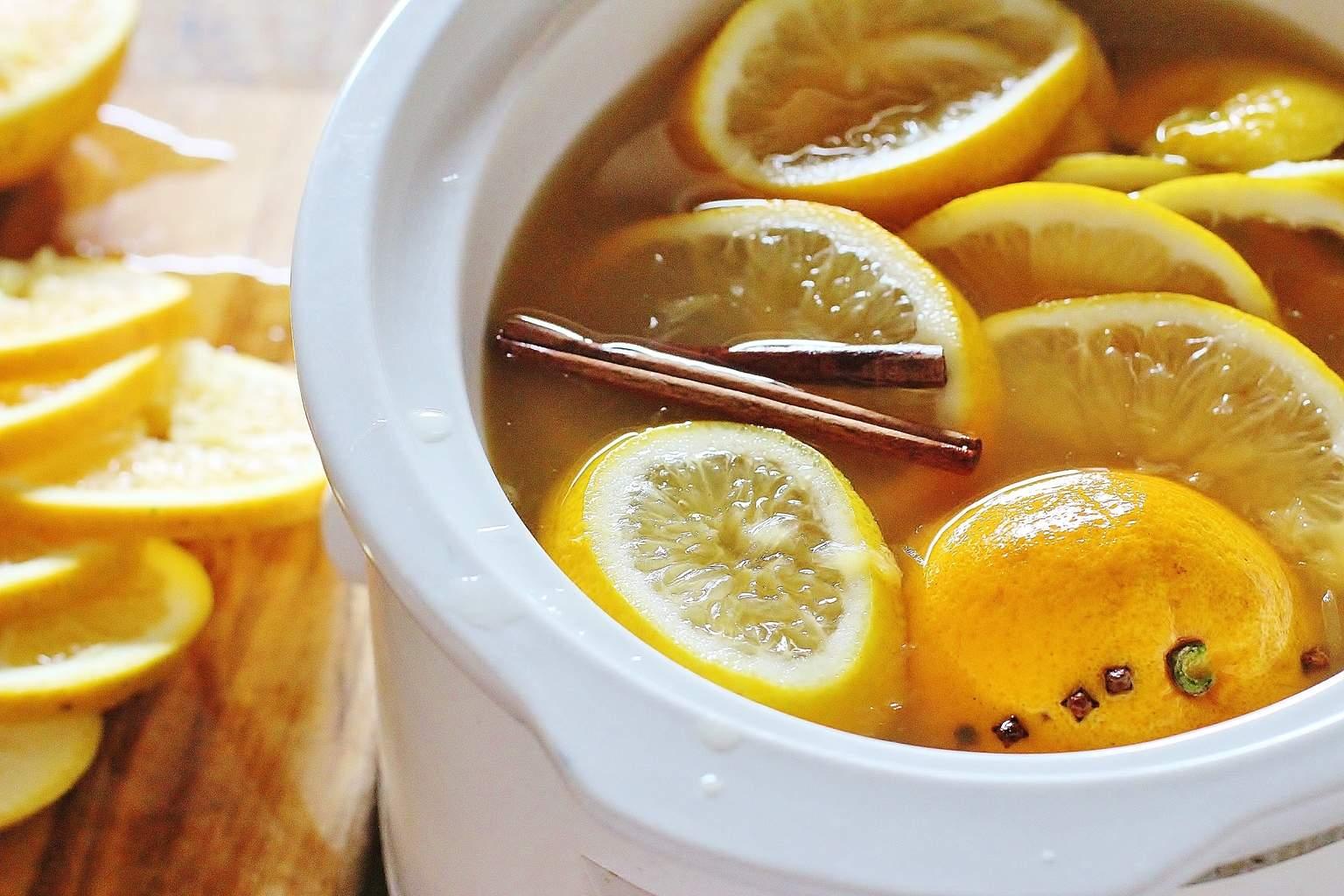Slow Cooker Hot Mulled Apple Cider. Apple cider with oranges, lemons ...