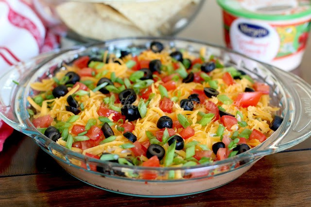 Mexican Layer Dip (copyright, thecountrycook.net)