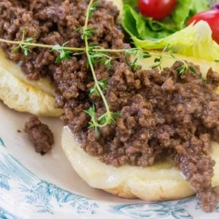 French onion burger o a plate